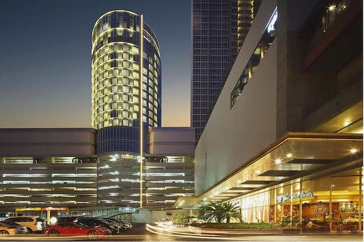 Deluxe Room Near Ciputra Mall by Swiss-Belhotel
