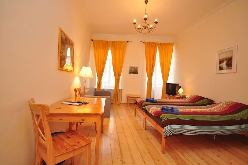 Room II with balcony