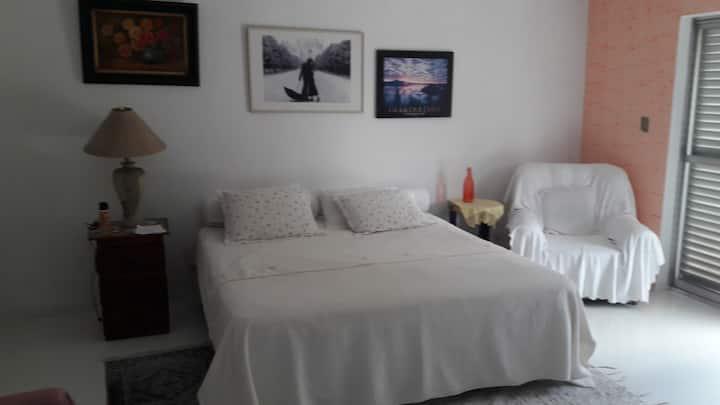 SUITE MASTER ÁREA 100 M2 - 02 quartos com varanda