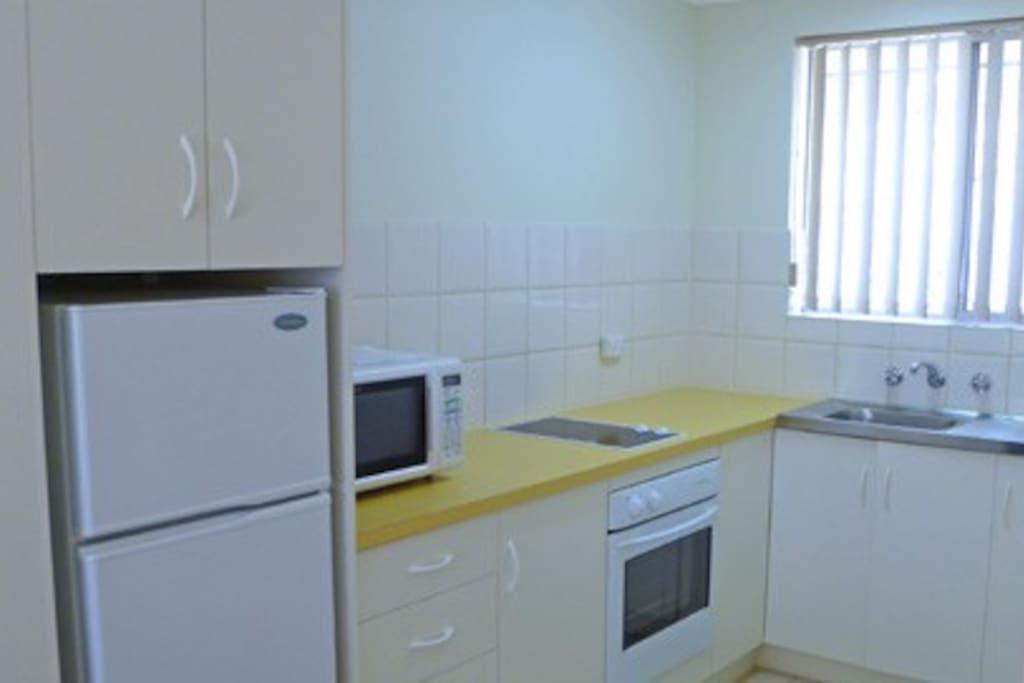 4 Star 3 Bedroom Apartment - Full Kitchen