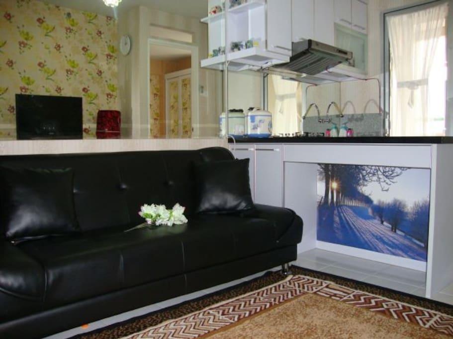 Ruang tamu arah dapur