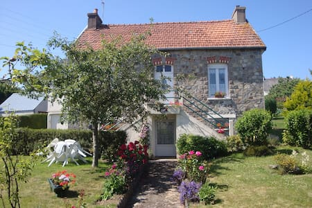 Maifleur Bed and Breakfast - Mûr-de-Bretagne
