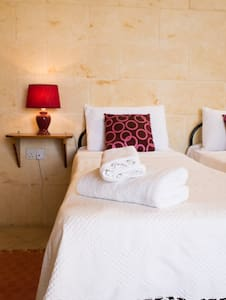 Private Rooms - optional B&B Basis  - Santa Lucia - Bed & Breakfast