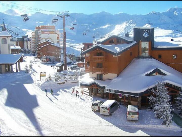Val Thorens skis aux pieds