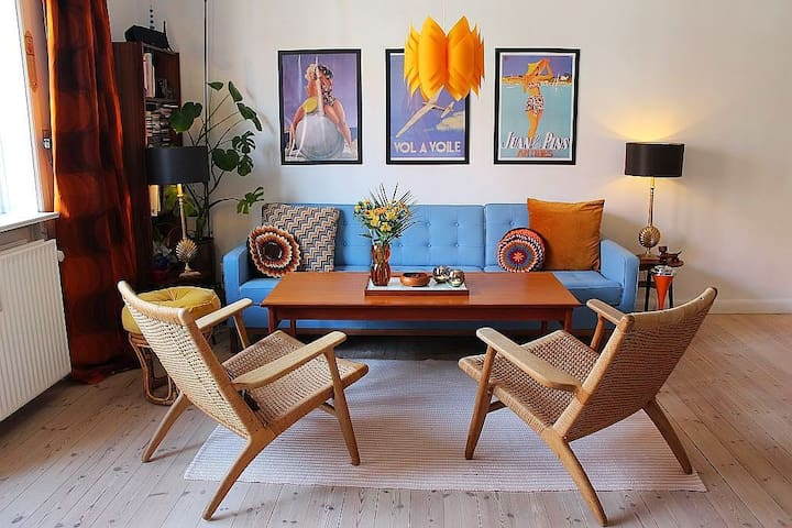 Retro home with Danish design+bikes