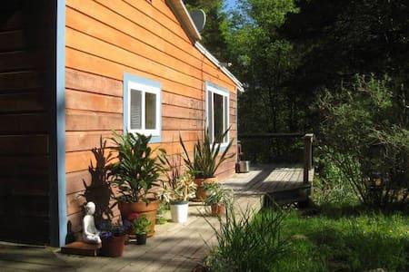 Romantic  Retreat Cottage - Kerhonkson - Σπίτι