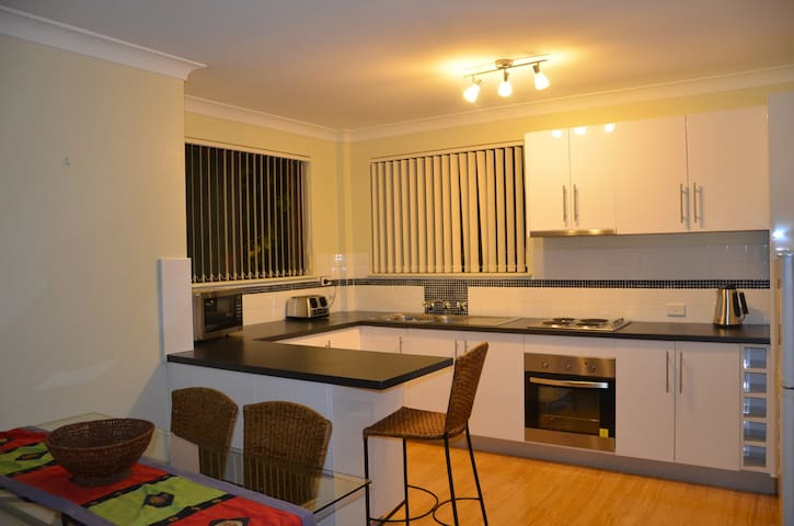 Mollymook Sunrise Holiday Apartment - Mollymook - Departamento