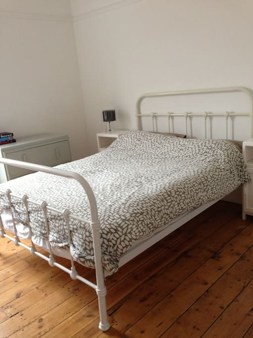 Double bed, fresh linen and towels