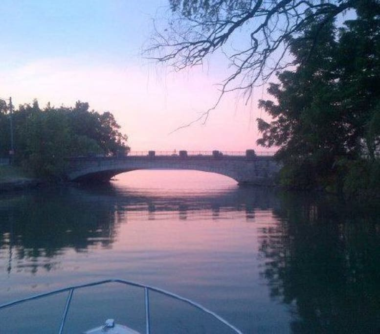 Heading out to the Niagara River