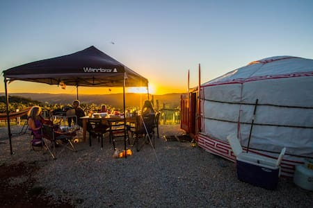 The Yurt Alpine Retreat II - Myrrhee - Jurta