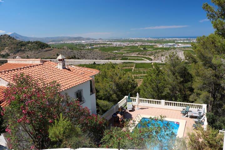 Вилла (дом) в Испании - Oliva - Villa