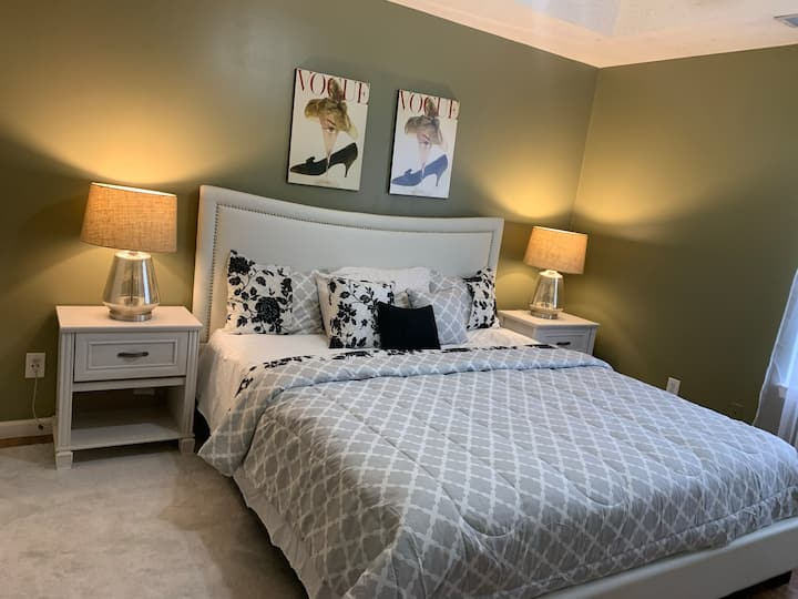 Atlanta King Bed Minutes from downtown & airport