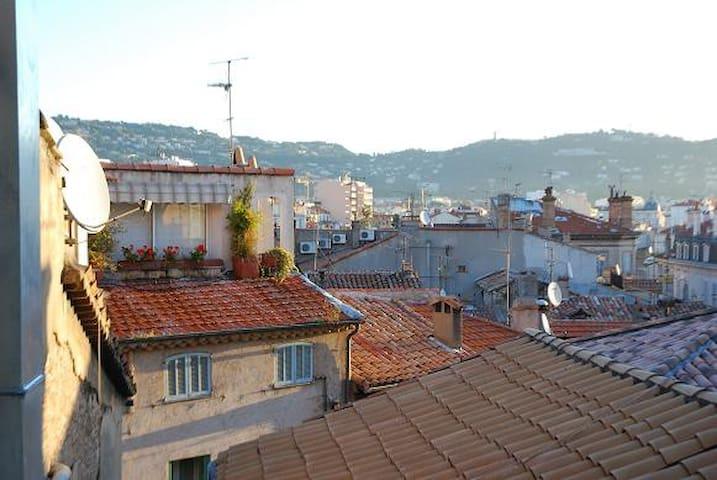 Charme et romantisme avec vue et balcon au Suquet