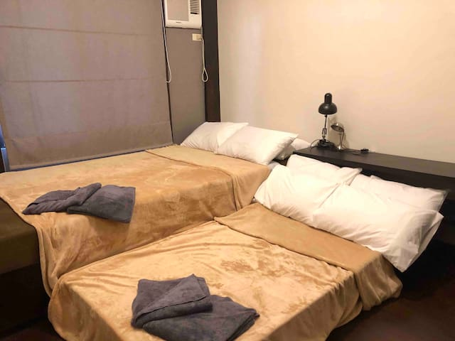 Bedroom 2: double bed + pull out double bed. A/C (4 guests)