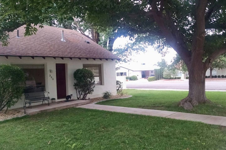 Cozy Cottage Retreat