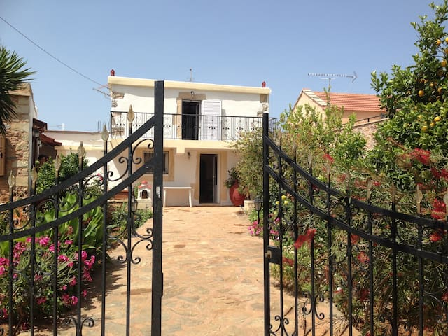 Traditional Cretan House to rent - Khanià