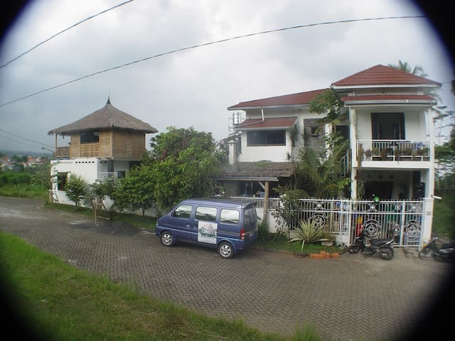 RESORTVilla-Bella Malang-Batu