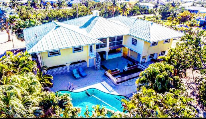 Duck Key Villa w/tenniscourts & private heatedpool