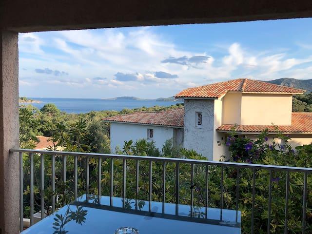 terrasse couverte avec vue mer
