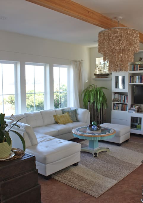 Chic & Dreamy Beach Cottage!! Stay once, and you'll be back.