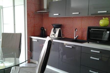 Chambre dans appartement avec balcon - La Roche-sur-Yon