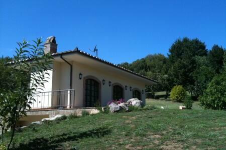 Cottage in provincia di Viterbo - Vallerano
