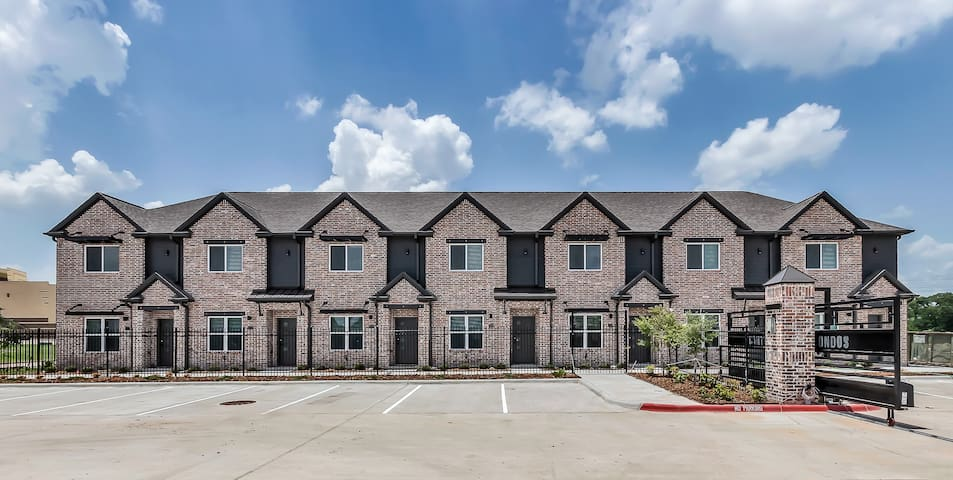 Brand New Fully Furnished Condo in Aggieland! #306