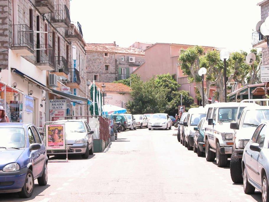 Porto-Vecchio direction Port de Plaisance