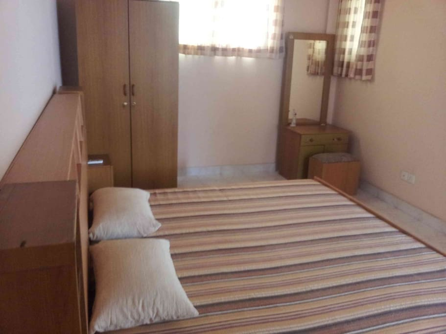 Deluxe Room Large