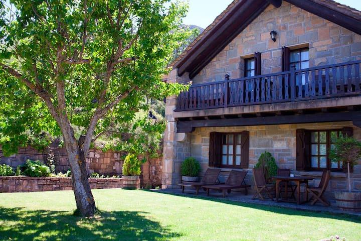 Habitación especial en el Pirineo   - Santa Cruz de la Serós - Oda + Kahvaltı