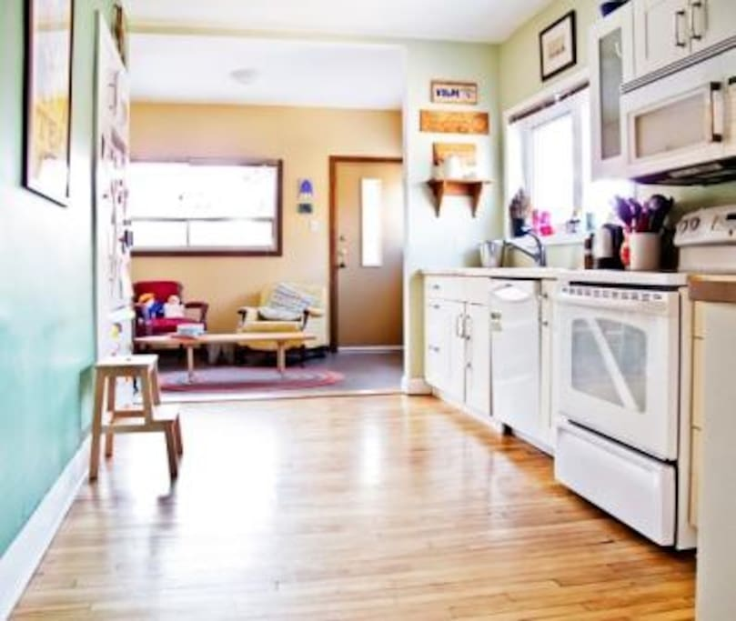 Bright kitchen with gas fireplace