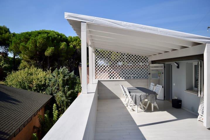 Un attico baciato dal sole nel centro di Riccione - Riccione - Apartamento