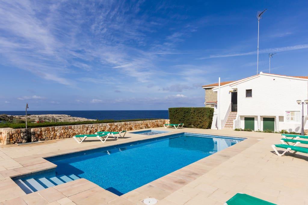 Apartment sea view + swimming pool