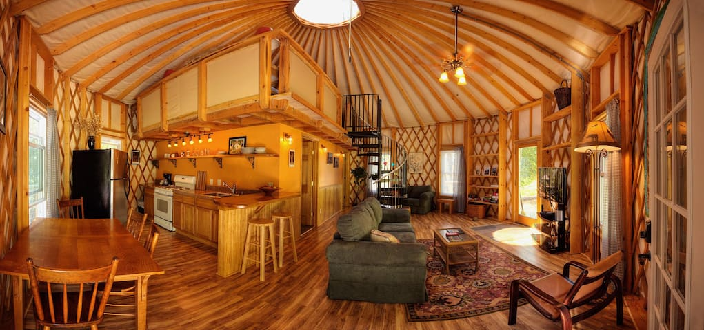 Floyd Yurt Lodging - an experience