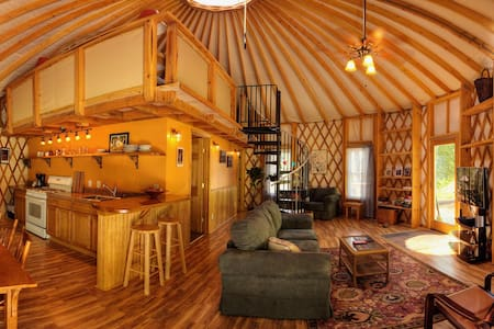 Floyd Yurt Lodging - an experience - Флойд - Юрта