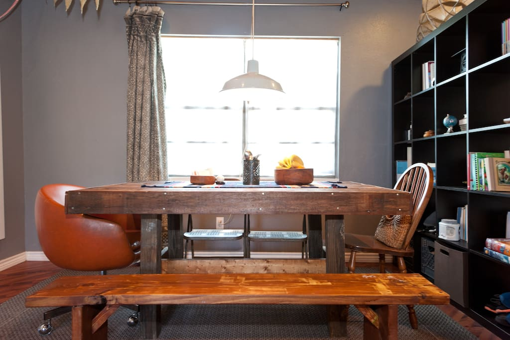 Large Diningroom table seats 8-10 guests - Feel free to read any books in the library.