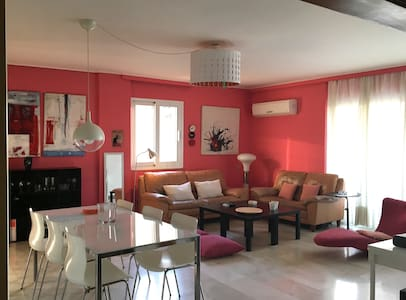 3 Bedroom Apartment next to the Beach! - Paleo Faliro