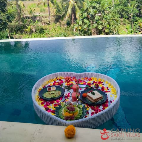 Plunge into our hidden pool and indulge in a secret floating breakfast featuring all-time favourite American menu overlooking the unique and breathtaking Capung Sakti's landscape.