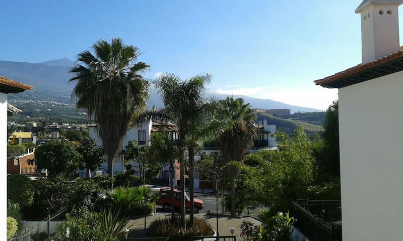 Apt. with views, gardens & pool - Puerto de la Cruz - Lägenhet