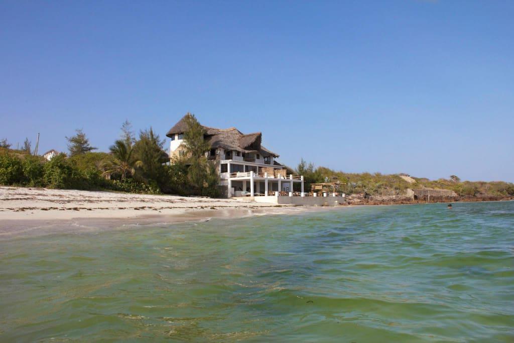 The Beach House @ High Tide