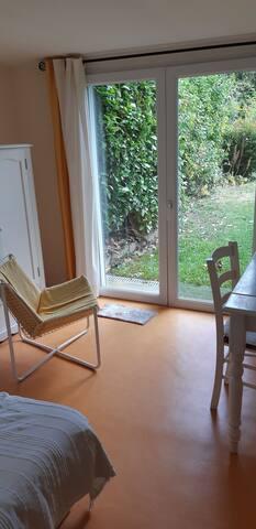 Petite chambre calme sur jardin