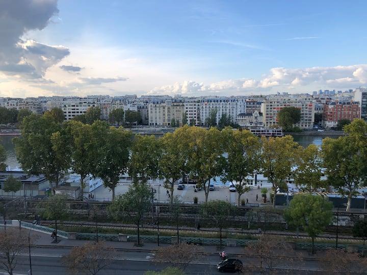 Studio avec vue sur Seine