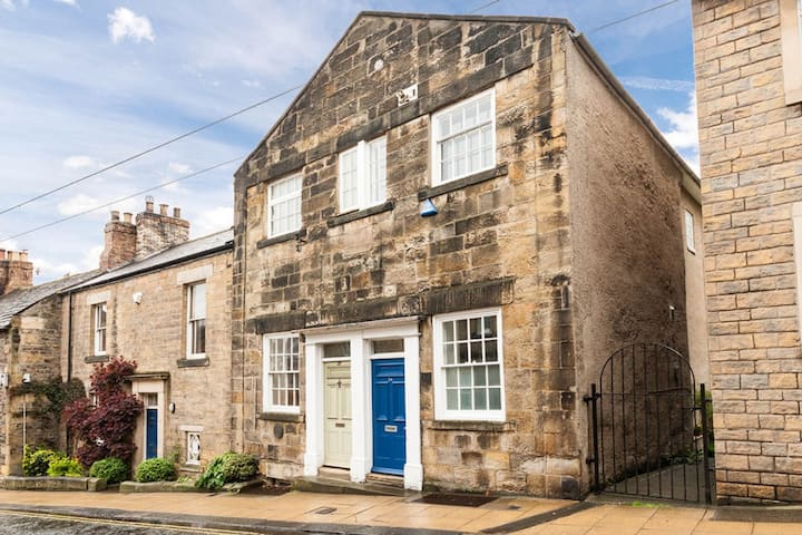Ranters Chapel - stylish townhouse in Hexham
