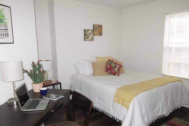 2 bedroom apt near WSU, Soin Hospital, and WPAFB