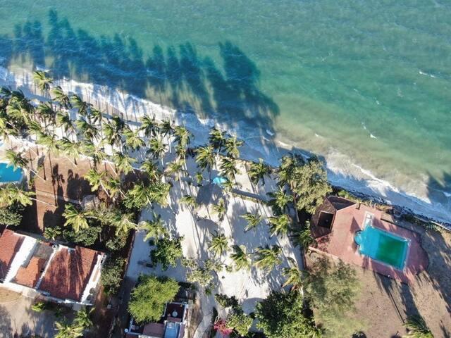 Luxurious 4 Atria Villa MombasaNyali PrivateBeach.