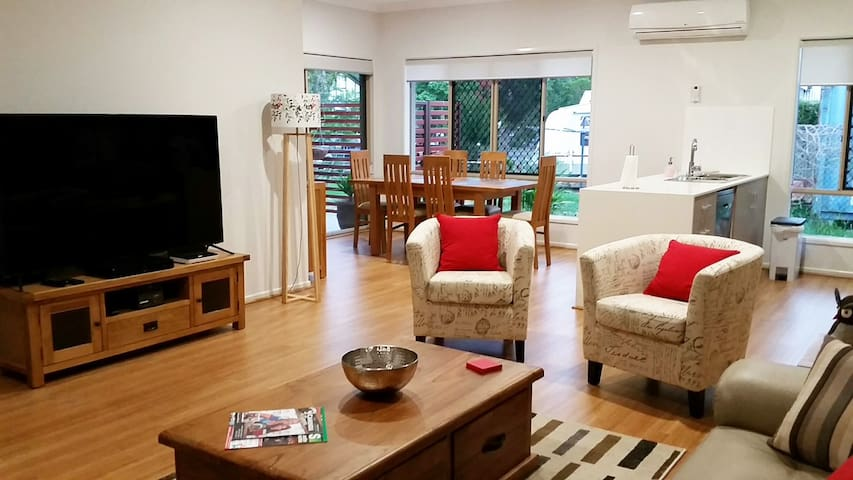 "Wagon Wheel Holiday Villas: ""Melaleuca Villa"" - Canungra - Huvila"
