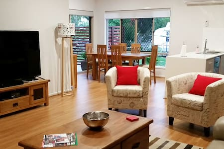 "Wagon Wheel Holiday Villas: ""Melaleuca Villa"" - Canungra - Villa"