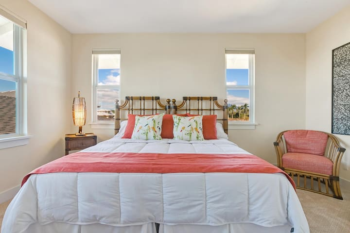 upstairs bedroom #2. It is set up as a king bed but can become 2 twin beds if needed. Ocean view from this room.