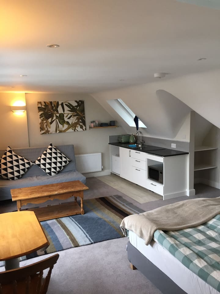 Super comfy studio-loft in Wimbledon