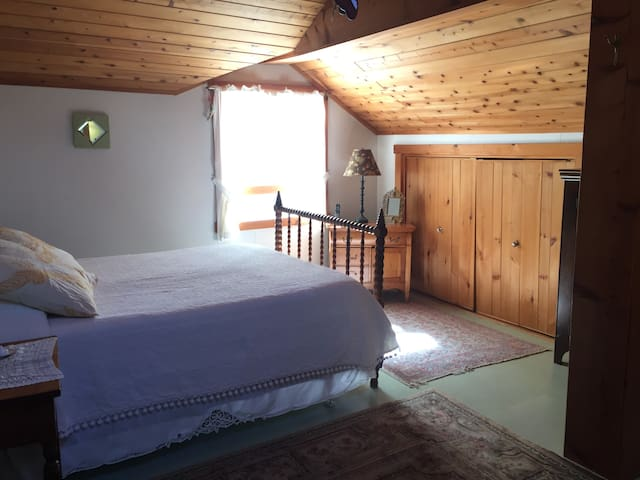 Master Bedroom. Attached full bath. Queen Bed. Upstairs.